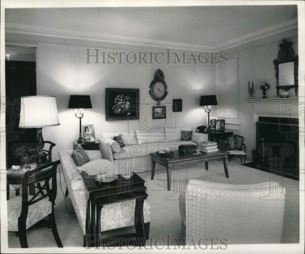 1970 Press Photo Couches and Furniture in Living Room pia03468