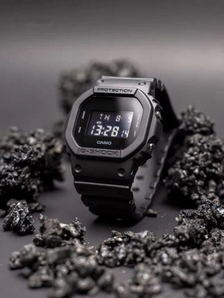NEW G SHOCK Men#x27;s Watch Military Black Resin Strap Digital Watch DW5600BB 1
