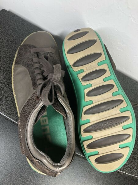 Mens Tsubo Shoes Size 9 Brown and Green