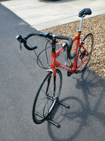 Felt carbon road bike F4C Red great condition reliable great reviews $1500.00