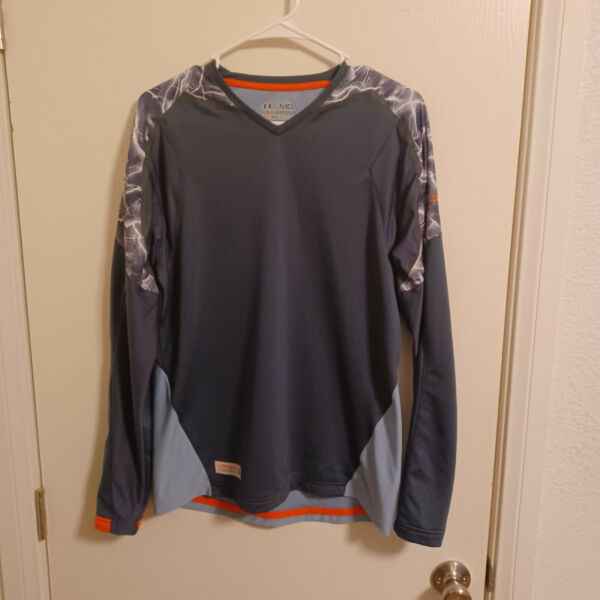 Super cool Medium Gray Under Armour Athletics Polyester T shirt check this out $12.95