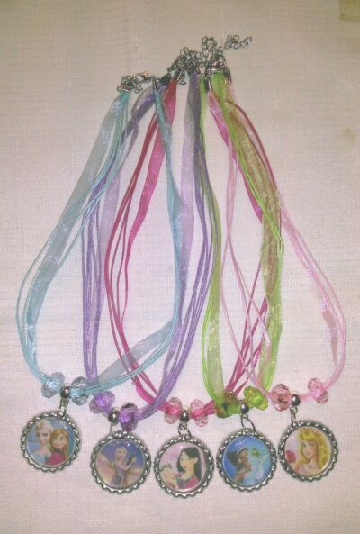 PRETTY DISNEY PRINCESS NECKLACE, 13 OPTIONS SOPHIA, FROZEN, ARIEL, RAPUNZEL Yt