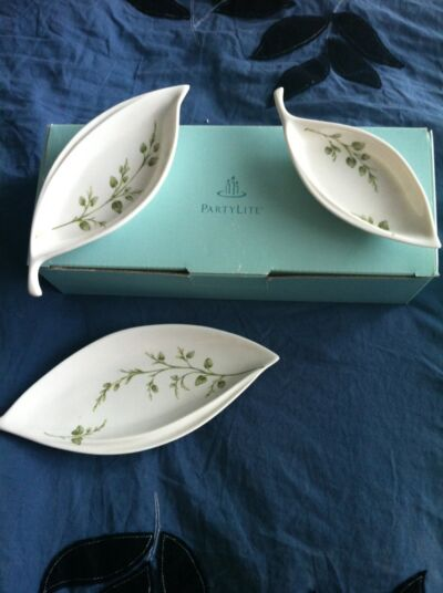 PartyLite Porcelain herbal spring set of 3 tealight holders