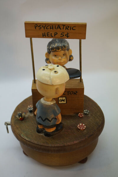 VINTAGE ANRI MUSIC BOX CHARLIE BROWN LUCY PSYCHIATRIC HELP WOOD ITALY MUSICAL