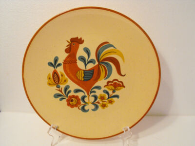 TAYLOR SMITH TAYLOR REVEILLE ROOSTER  DINNER PLATE