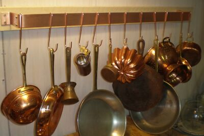 36 IN. W X 4 IN D X 1 1/2 IN H - WALL MOUNTED SOLID COPPER POT RACK & 12 HOOKS