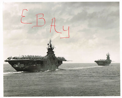 WWII LARGE 11X14  PHOTOGRAPH OF USS YORKTOWN AND USS SHANGRI LA PTO ACTION LOOK