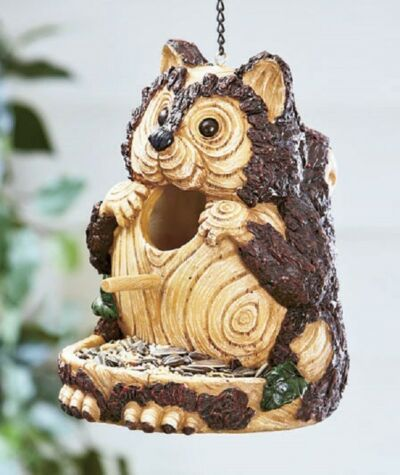CARVED WOOD-LOOK BIRDHOUSE AND FEEDER - SQUIRREL