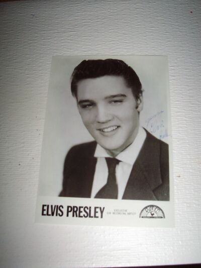 ELVIS PRESLEY 5X7 SIGNED* PHOTO WITH SUN LABEL MINT CONDITION