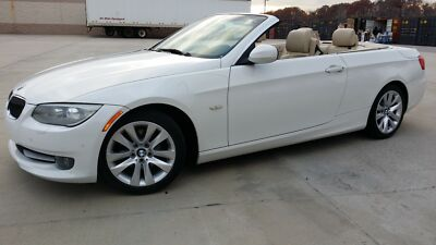 BMW : 3-Series 2dr Cabriole 2011 BMW 328i Convertible Alpine White, with No Reserve