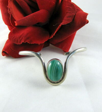 Sterling Silver Green Cabochon 10g Cuff  Bracelet  FERAL  CAT RESCUE