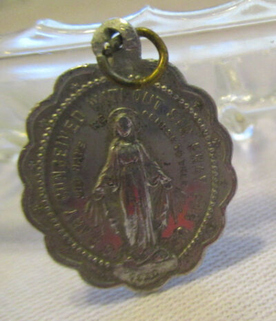 Vintage Blessed MARY Silver/Aluminum Round scalloped  light  Medal ~FRANCE