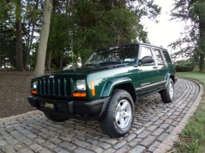 Jeep : Cherokee Sport / Classic 4-Wheel Drive * 5 SPEED MANUAL * CHEROKEE SPORT CLASSIC MANUAL NO RESERVE XJ Wrangler 4X4 4.0 Box Rig 5 SPEED