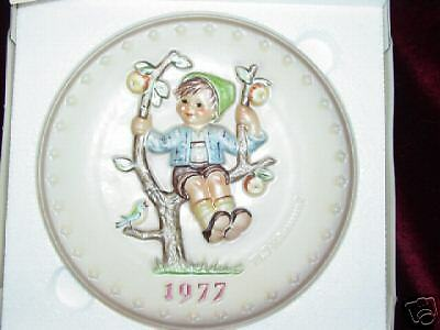 1977 Apple Tree Boy M I Hummel Plate