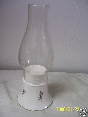 Nikko Holly & Berry Candle Hurricane Lamp