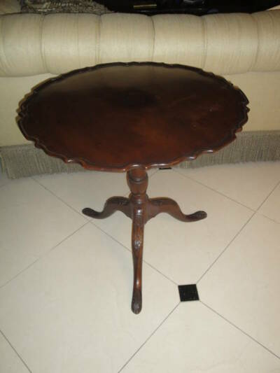 19c Queen Anne Mahogany Pie Crust Tilt Top Tea Wood Table