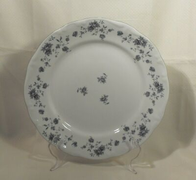 TRADITIONS FINE CHINA DINNER PLATE BLUE GARLAND PATTERN JOHANN HAVILAND