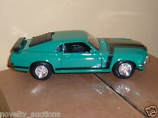 E39 34943 Maisto GREEN 1970 Ford Mustang Boss Hard Top 1:24  diecast model car