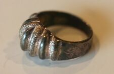VINTAGE STERLING SILVER GROOVED RIBBED TOP RING SIZE 7