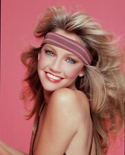 Heather Locklear UNSIGNED photo - H2860 - GORGEOUS!!!!!