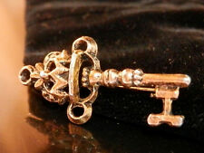 Cute Petite Vintage 50's Ornate Skelaton Key Brooch 314J5