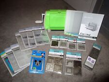 Provo Craft CUTTLEBUG Machine w/17 Embossing Folders & 23 Cutting Dies