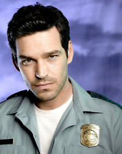 Eddie Cibrian UNSIGNED photo - 8915 - Third Watch