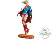 Cover Girls of the DC Universe: Supergirl Statue Version 2