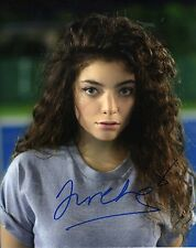 LORDE - Signed 10x8 Photograph - MUSIC