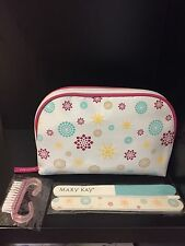Mary Kay   Cosmetic Bag with a Set for manicure.Limited Edition