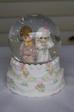 Precious Moments Wedding March Bride Groom Snow Globe Wedding Cake p130