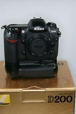 Nikon D 200 mit Batteriegriff nur 10100 Bilder gemacht