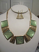 Green Mint Square Lucite Bead Hammered Gold Tone Base Necklace Earring Set