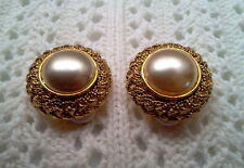 NEW MABE GLASS PEARL CLIP ON EARRINGS MADE IN THE CZECH REPUBLIC