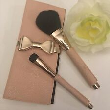 MAC Cosmetics MAKING PRETTY Brush Set + Travel Case ~ SUPER RARE, Lightly Used
