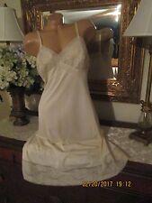 Vtg Vanity Fair candleglow ivory encased lace full slip gown dress lingerie 38 L