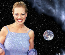 Jeri Ryan UNSIGNED photo - 9182 - Star Trek: Voyager