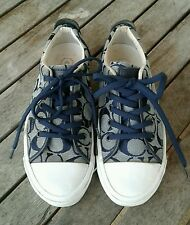 WOMANS COACH SIGNATURE NAVY CANVAS TENNIS SHOES size 6 1/2