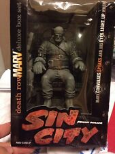 SIN CITY - Death Row Marv Deluxe Box Set  Light Up Eyes And Vibrating Sound!!!