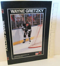 LA KINGS WAYNE GRETZKY NHL HOCKEY STARLINE PAPER BOOK COVER 1989 BOOKCOVER
