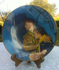 """A VINTAGE BOY SCOUT COLLECTIBLE PLATE """"OUR HERITAGE """" BY NORMAN ROCKWELL"""