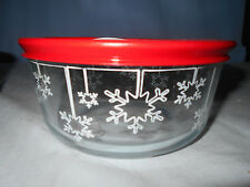 PYREX GLASS STORAGE CHRISTMAS HOLIDAY BOWL SET DINNERWARE