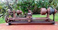 outil ancien,tour d'horloger,tour à bois métaux,métier,machine outils,XIXe,XXE.