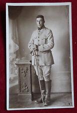 CPA Photographie ancienne Soldat avec son épée escrime