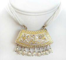 Shinny White Lakh Necklace & Earrings. Discover A Jewelry Tradition.