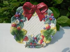 Fitz and Floyd Strawberry & Blueberry Wreath Scalloped Edge Dessert Salad Plate