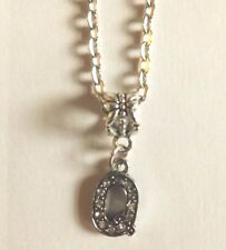 collier chaine argenté 46 cm avec pendentif lettre strass Q