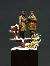 RUSSIAN TANK CREW IN THE BATTLE OF MOSCOW-PROBUILT 1/35 ALPINE MINIATURES(35092)