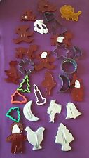 Vtg Lot of Cookie Cutters HRM Loma? More Plastic and Metal Various Sizes