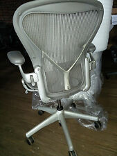 Herman Miller Aeron Mesh Desk Chair Medium Size B adjustable with posture fit